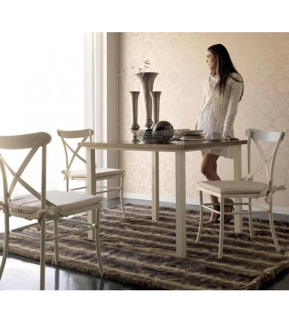 Mesa rectangular de forja con tapa de madera. Dim: 100x100 y 150x80